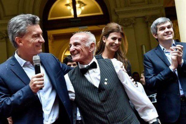 Macri brindó con los empleados de la Casa Rosada