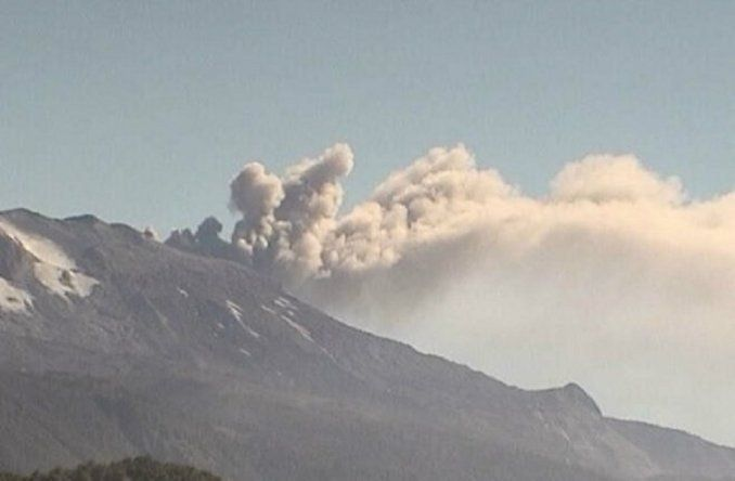 Alerta amarilla en Neuquén por erupción del volcán Copahue