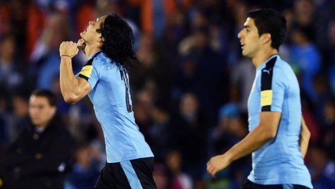 Uruguay venció a Perú y llegó a la cima de las Eliminatorias