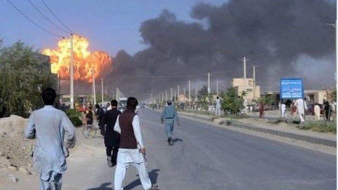 Decenas de muertos y 198 heridos por un atentado suicida en el centro de Kabul