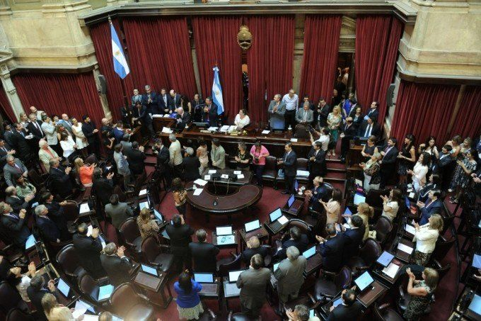 El Senado ya debate la ley antidespidos