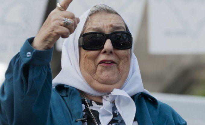 Hebe de Bonafini aceptó la invitación del Papa y viajará si consigue el apto médico