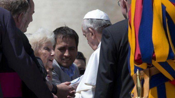 Carlotto negó que le haya pedido al Papa que no reciba a Barrientos: Es una novela absurda