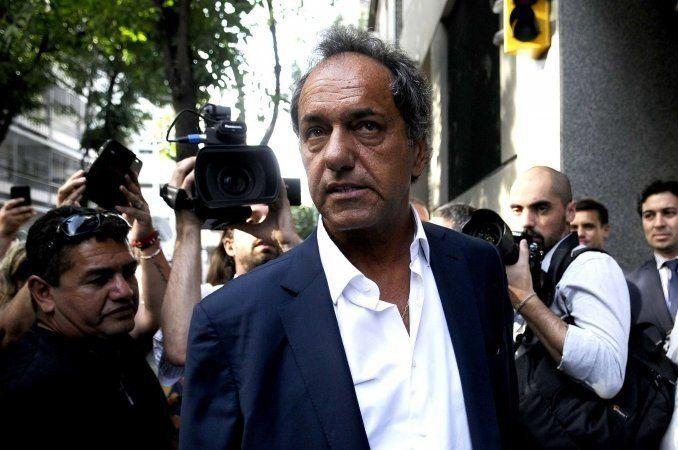 Scioli pidió tarifa social en servicios públicos para los clubes de barrio