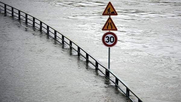 Francia, bajo el agua