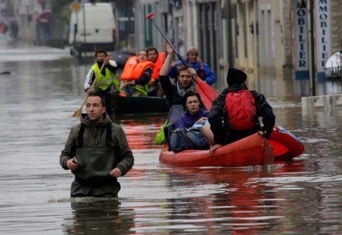 Declaran estado de desastre natural en Francia por inundaciones