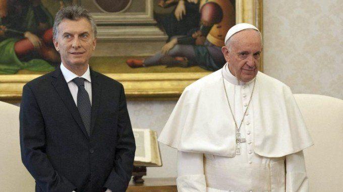 El Papa Francisco ordenó devolver una donación de Mauricio Macri