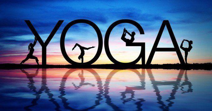 En el Día Internacional del Yoga te enseñamos  5 posturas para estar excelente