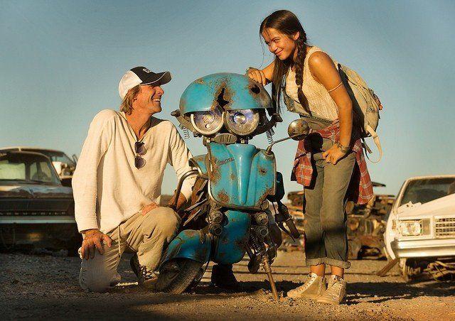 Transformers: The Last Knight: Michael Bay comparte una imagen con un nuevo Autobot