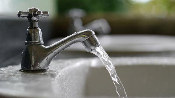 Tarifa de agua: el Gobierno cobrará por consumo a hogares en Tucumán y otras seis provincias