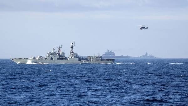 Una poderosa flota rusa en el Canal de la Mancha