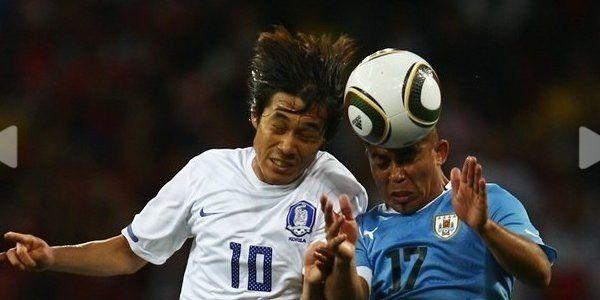 Cabecear el balón en el fútbol afecta a la memoria y al cerebro