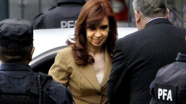 Cristina Kirchner ya está en los tribunales ante el juez Claudio Bonadio
