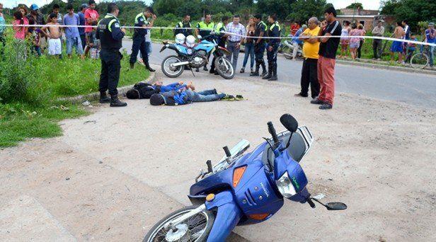 Tras una persecución atrapan a dos ladrones y recuperan una moto