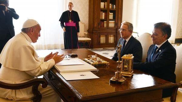 El papa Francisco se reunió con Santos y Uribe en el Vaticano