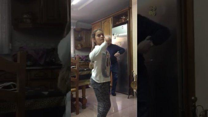 Un abuelo baila Despacito y se vuelve viral