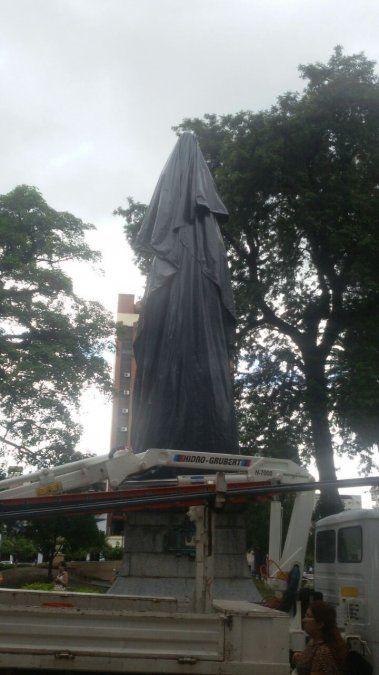 Intervención artística en plaza Independencia