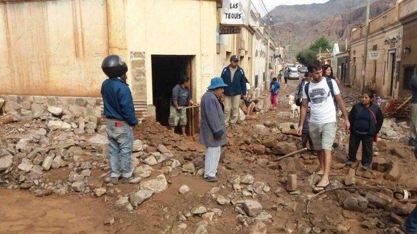 Alud de piedra y barro en Tilcara: la ruta 9, cortada, y sin clases