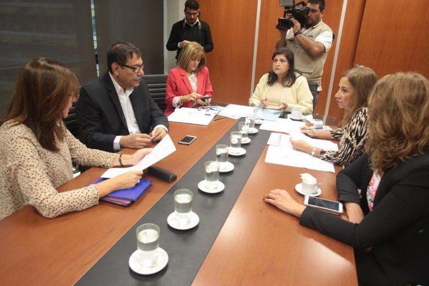 Por las víctimas de la violencia de género se reunieron en la Legislatura