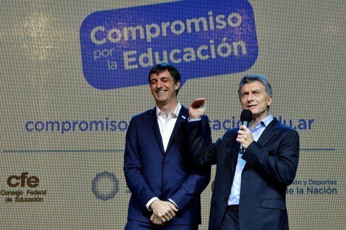 Bullrich corrigió a Macri por hablar de caer en la educación pública