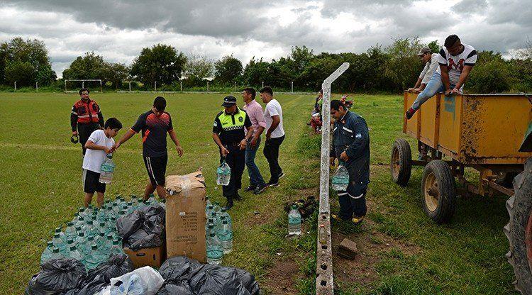 El gobierno brinda asistencia y contención a evacuados