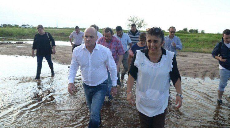 Lichtmajer recorrió las escuelas afectadas por el temporal