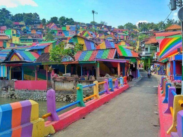 Pintaron 232 casas de un suburbio y el resultado fue increíble