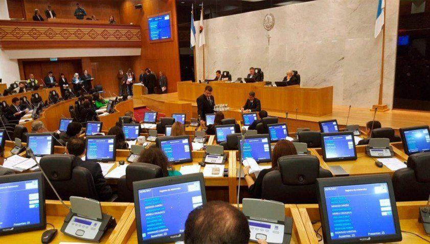 Tres jueces seleccionados por el PE quedaron en condiciones de asumir