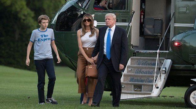 Melania Trump y su hijo Barron se mudan a la Casa Blanca