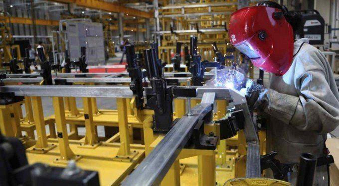 Por primera vez en 16 meses creció la industria: 2,7% en mayo