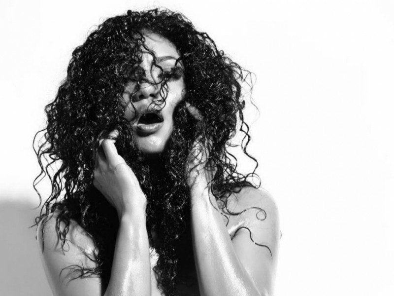 Video: Kate Rodríguez, desnuda y al teléfono