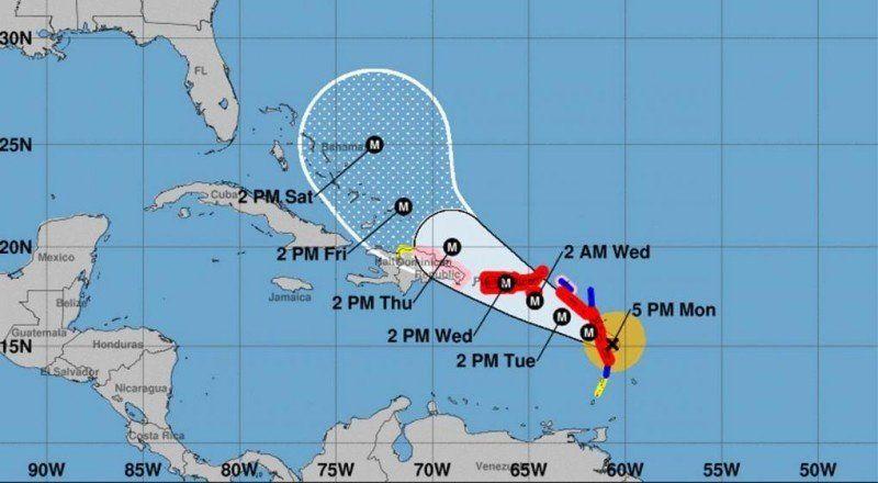 El huracán María ya es categoría 4