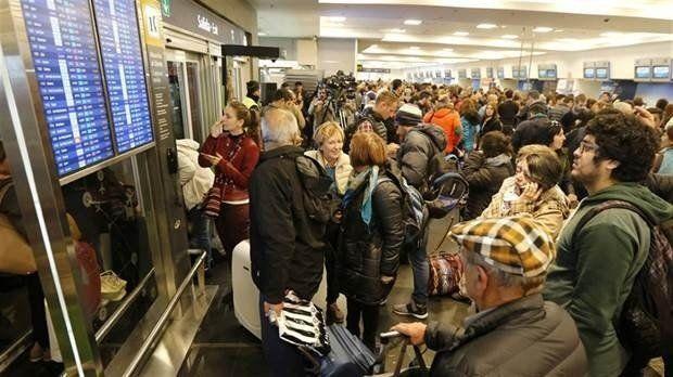 Aerolíneas Argentinas realizará cambios y devoluciones de pasajes por el paro del martes