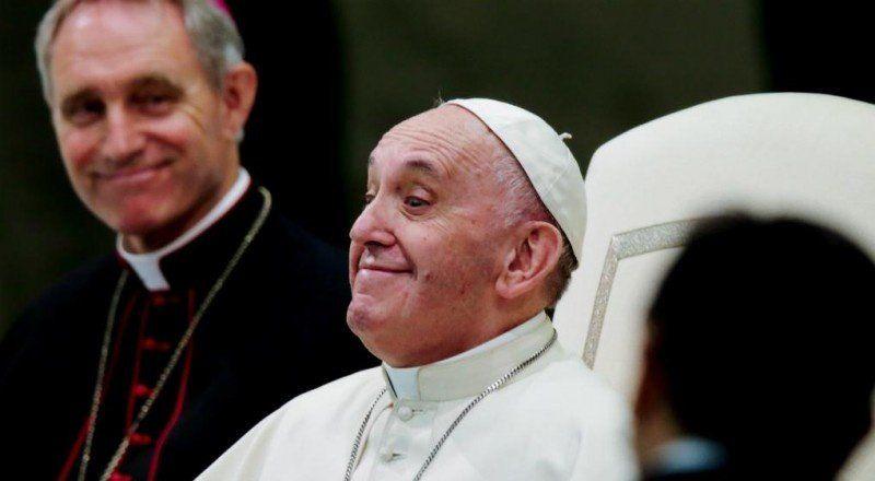 Francisco no quiere celulares en las misas: No es un show