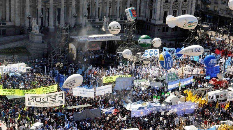 Reforma laboral: Múltiples marchas al Congreso contra los cambios que impulsa el Gobierno