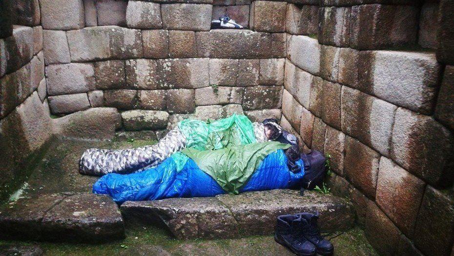 Expulsaron a dos argentinos que se quedaron a dormir en Machu Picchu