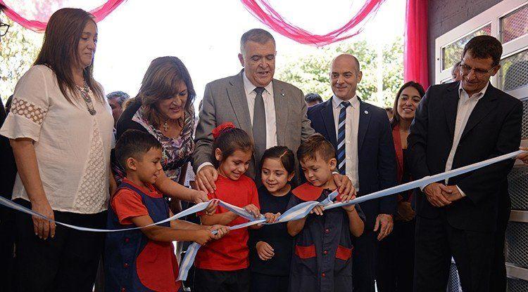 Osvaldo Jaldo inauguró un jardín de infantes en Lastenia
