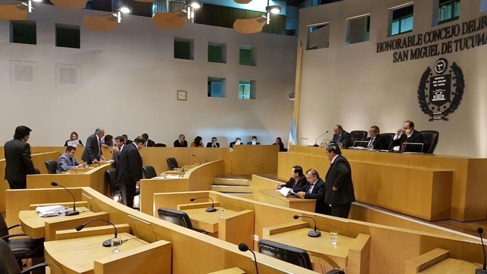Dos concejales se pelearon en plena sesión