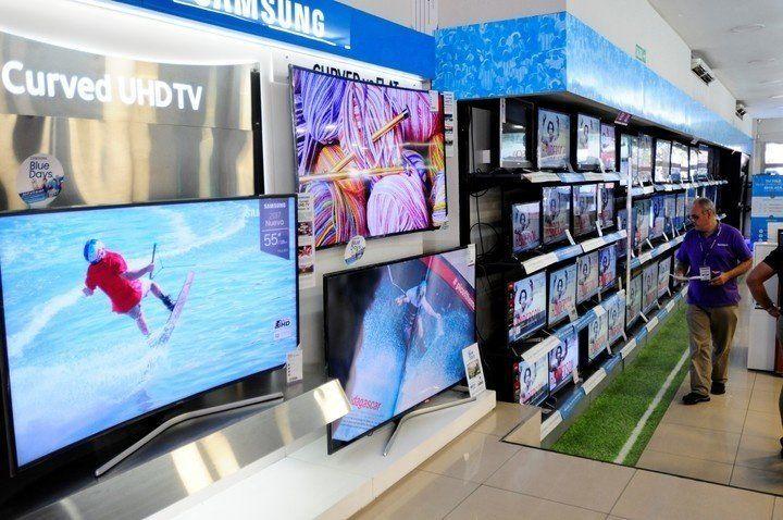 Locura mundialista: las cadenas de electrodomésticos bajarán el costo de los televisores