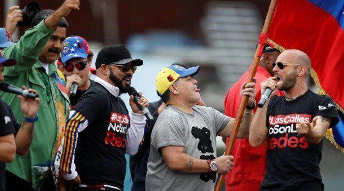 Maradona protagonizó el cierre de campaña de Maduro y fue criticado con dureza