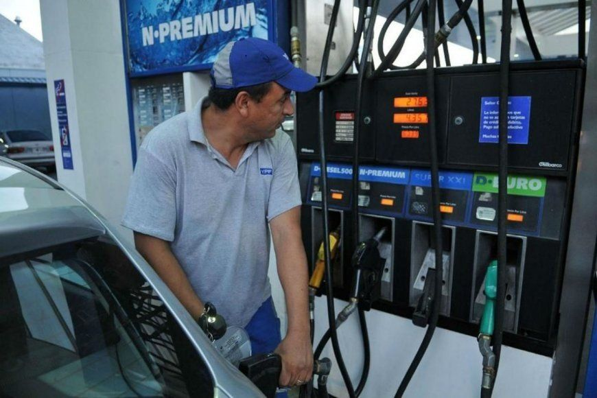 Estiman que a partir de julio habrá un incremento de 10% en el precio de la nafta
