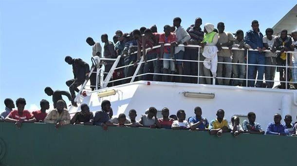 Italia cierra sus puertos a los barcos de rescate de personas migrantes