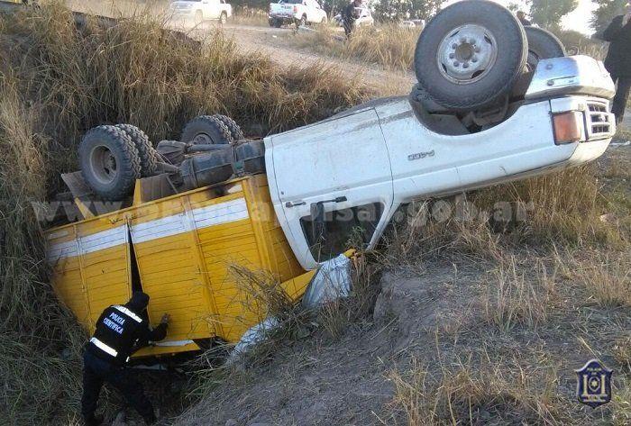 Un vuelco con 40 trabajadores a bordo dejó 18 heridos en Salta