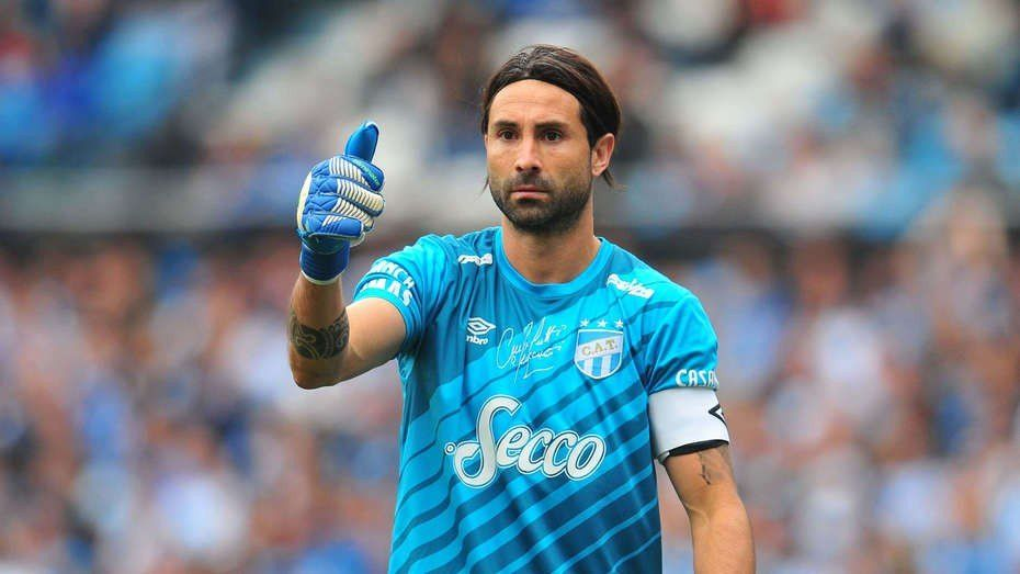 Lucchetti renovó con Atlético