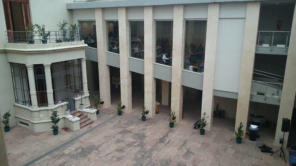 Se defendió el docente denunciado por acoso en Derecho
