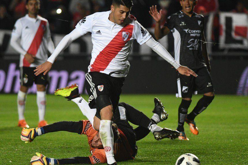 El tucumano Palacios ganó la pulseada y dejará en el banco a Enzo Pérez y Quintero
