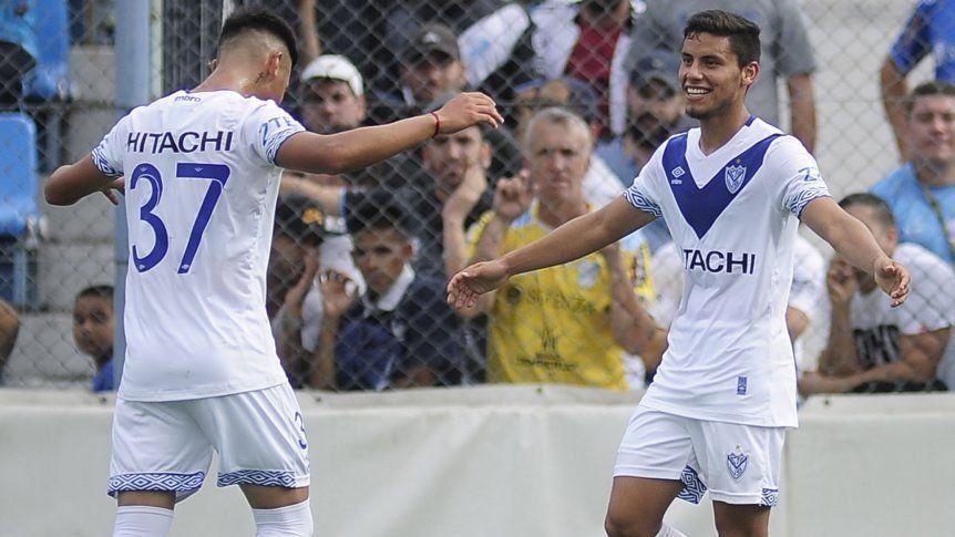 Vélez venció 2-0 a Newells en Liniers