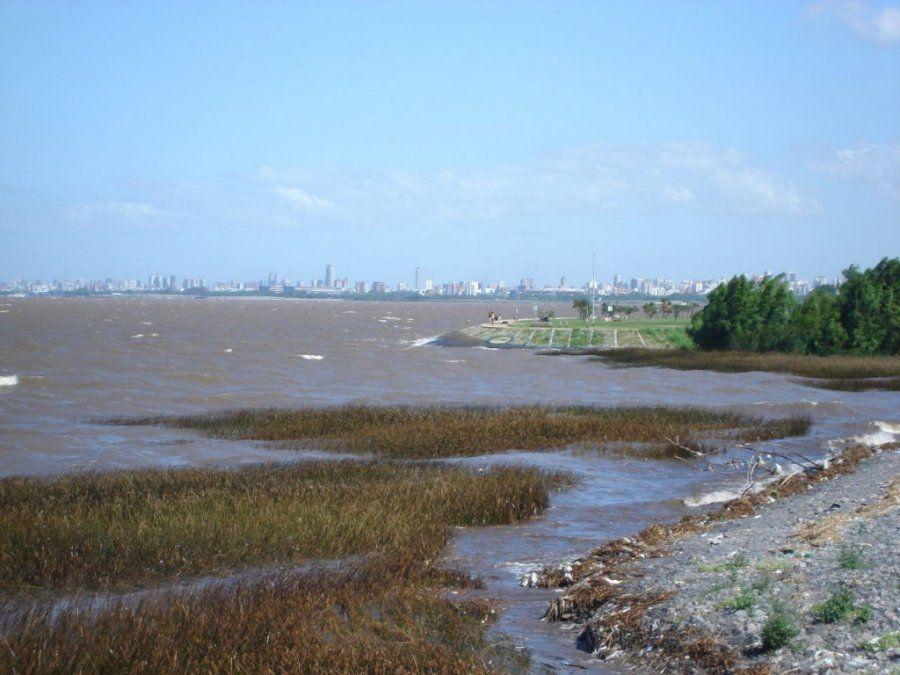 Dos pescadores desaparecieron cuando navegaban en el Río de la Plata