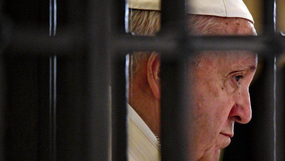 El Vaticano expresó vergüenza y dolor por el caso de los 300 curas pederastas en Estados Unidos