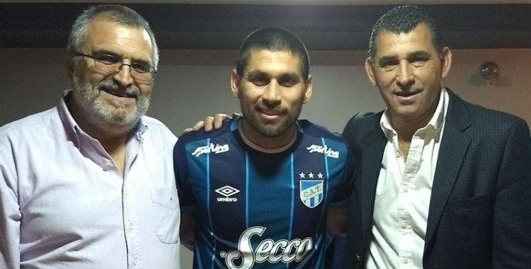 Un jugador de Atlético deja de jugar para ayudar a su hermano enfermo